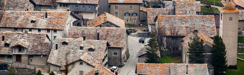 Hinterrhein Steinplattendächer